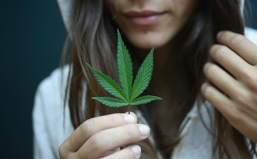 Czy można łączyć cannabis i grzybki?, KonopiaLeczy.com