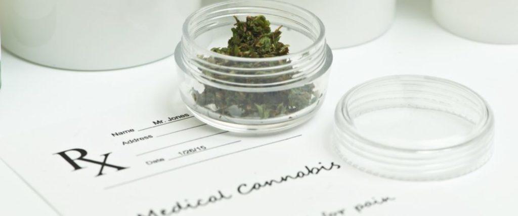 Czy Marihuana Może Pomóc w Skurczach Menstruacyjnych?, KonopiaLeczy.com